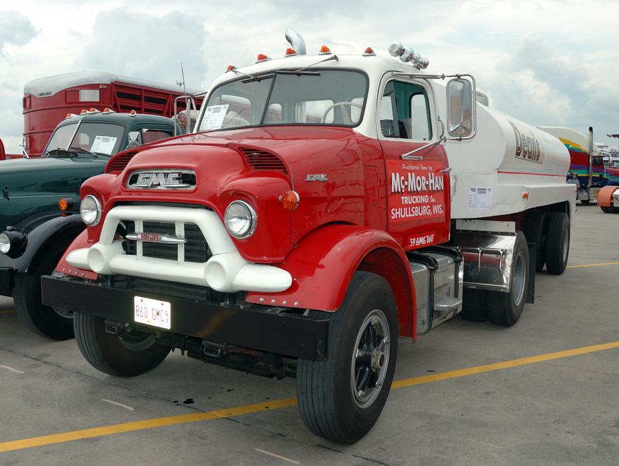1957 – 1959 GMC 900 Series: The Worst Truck Facelift?