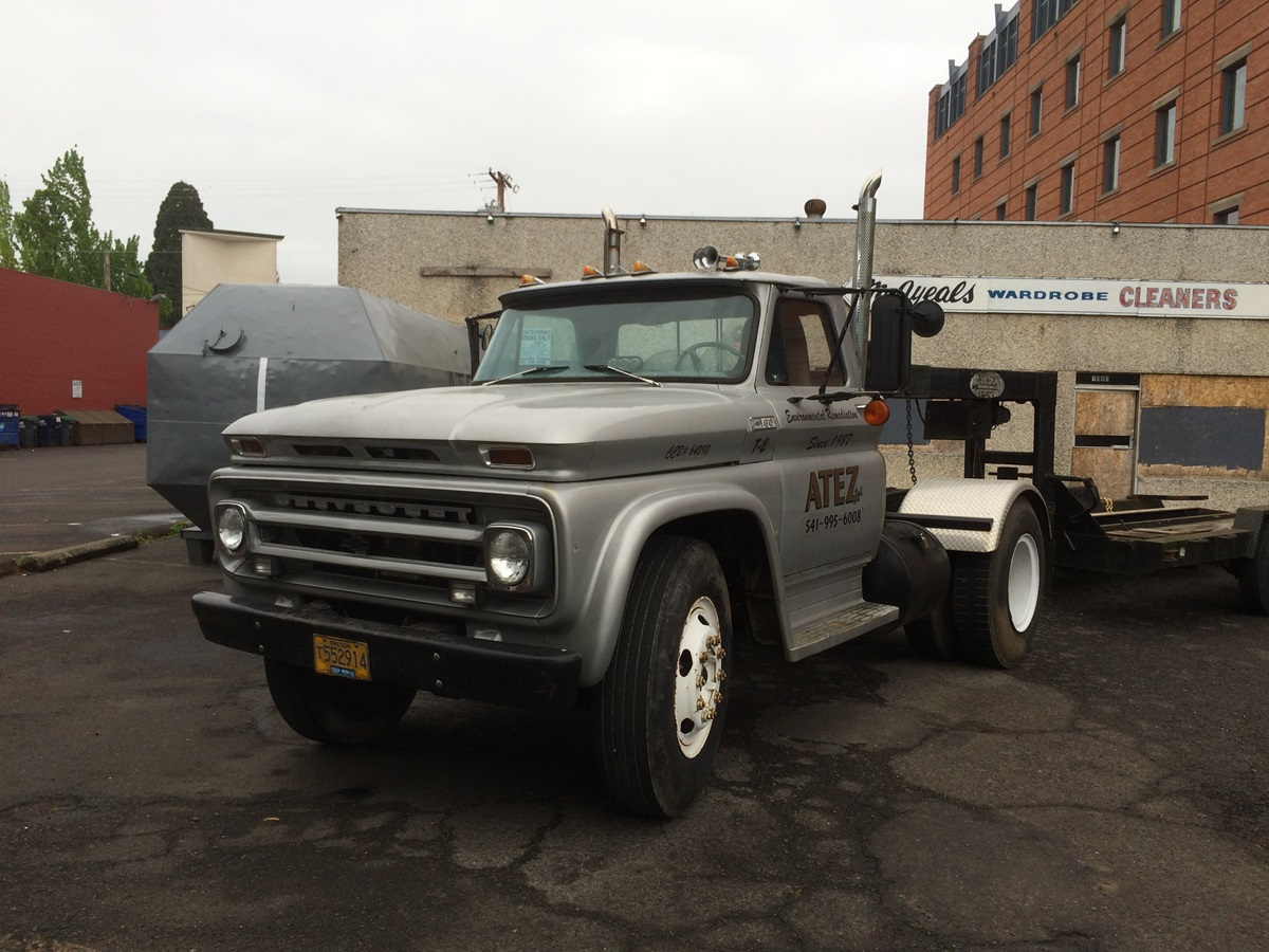 Curbside Classic 1965 Chevrolet C60 Truck Maybe Independent Front Suspension For Big Trucks Wasn T Such A Hot Idea After All Curbside Classic