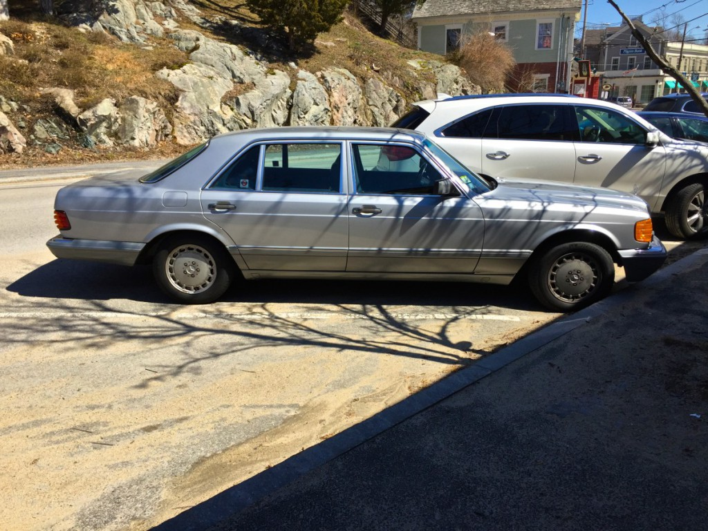 Cc capsule 1987 mercedes benz 560 sel the flagship of for Mercedes benz flagship car