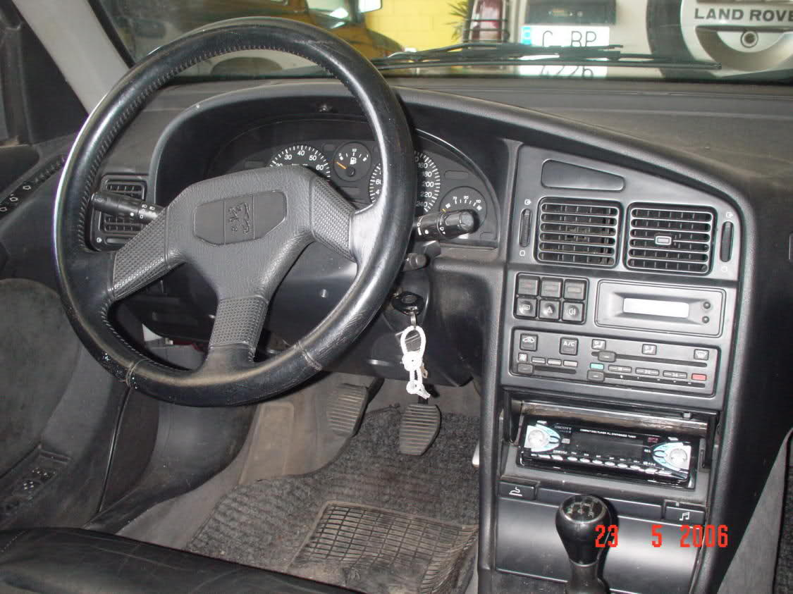 Curbside classic peugeot 405 wagon we don t have to for Interieur 405