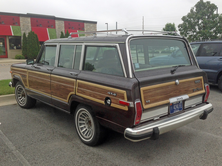 cc capsule 1990 jeep grand wagoneer coffee colored and. Black Bedroom Furniture Sets. Home Design Ideas