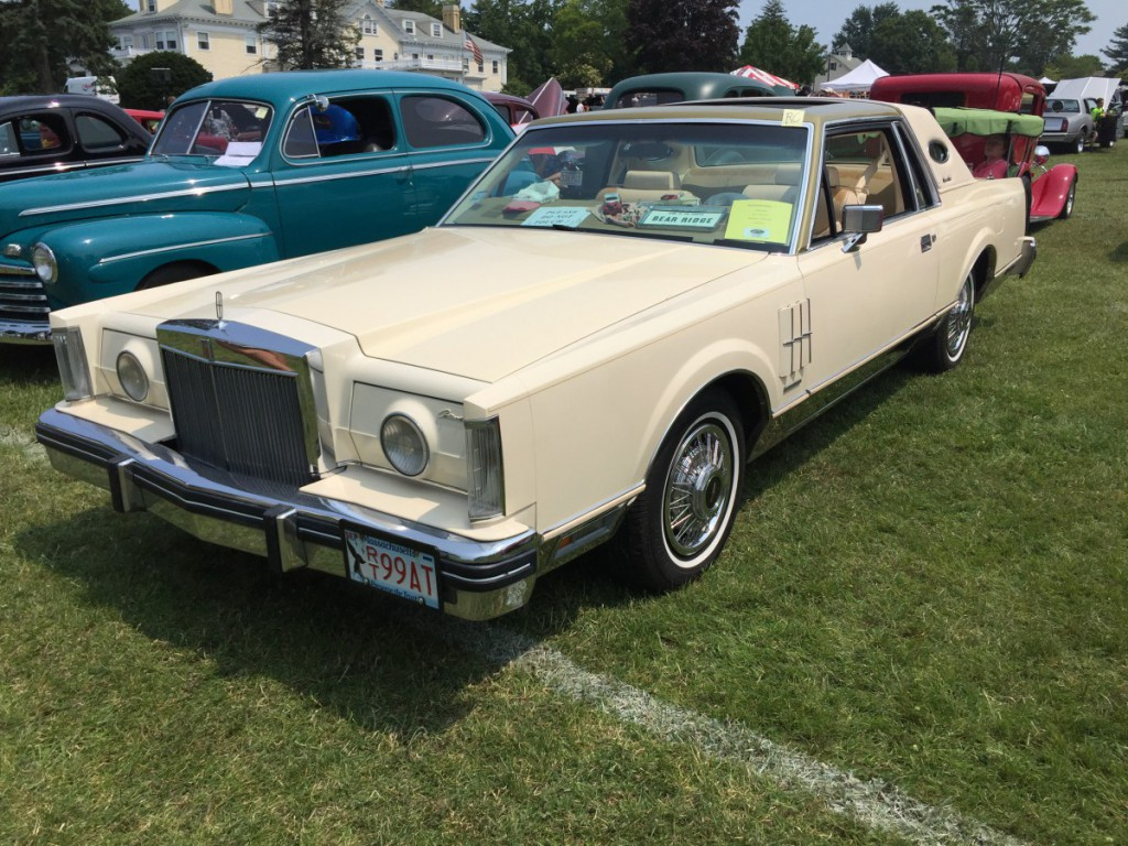 car show outtake 1983 lincoln continental mark vi mark of indistinction. Black Bedroom Furniture Sets. Home Design Ideas