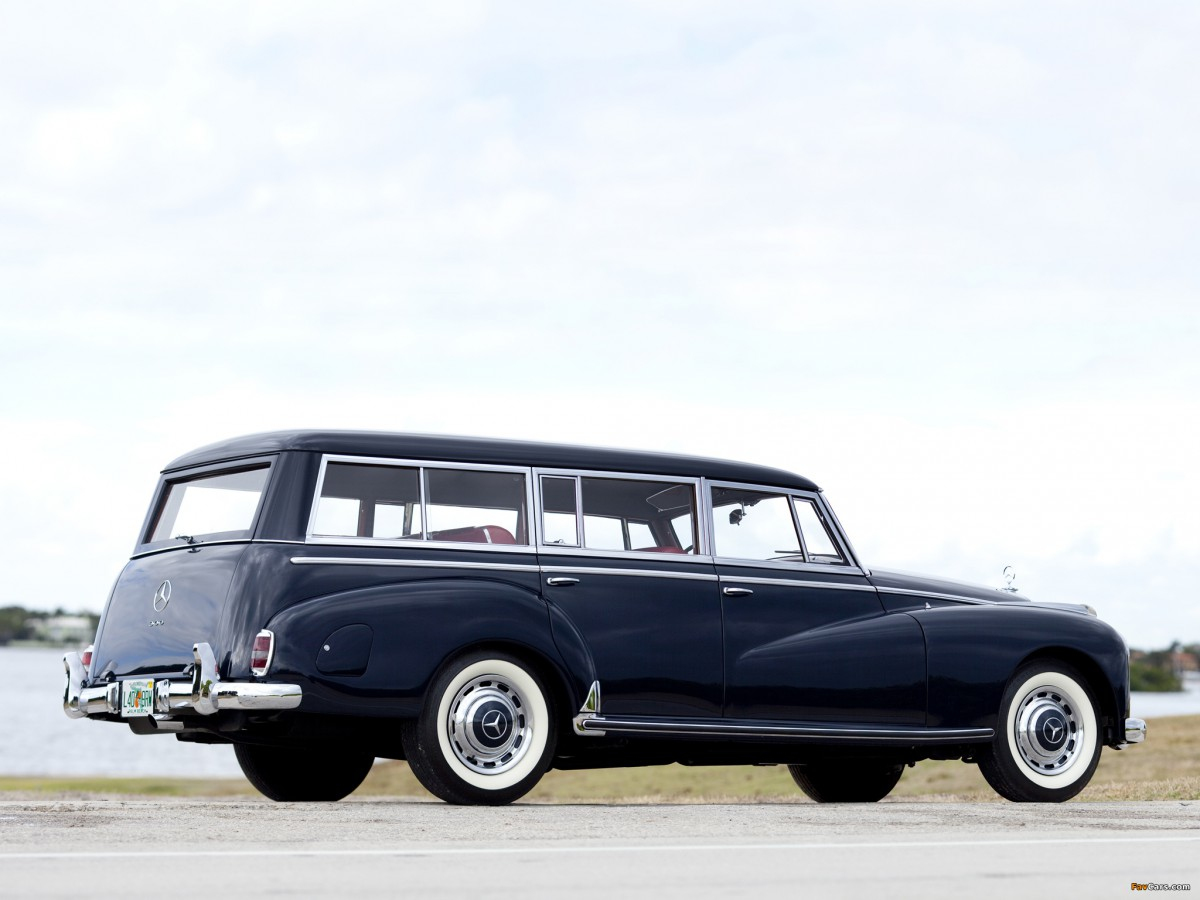 automotive history outtake 1956 mercedes 300c station wagon by binz she knew exactly what she. Black Bedroom Furniture Sets. Home Design Ideas