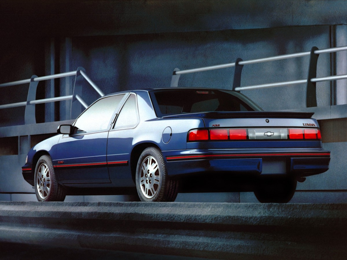 The Tenth Decade 1988 Oldsmobile Full Line Brochure