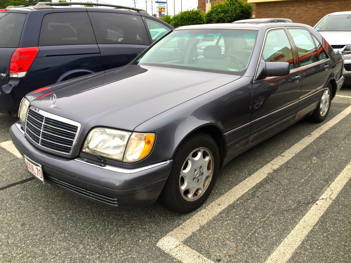 Curbside classic 1995 mercedes benz s320 w140 over for Mercedes benz w140
