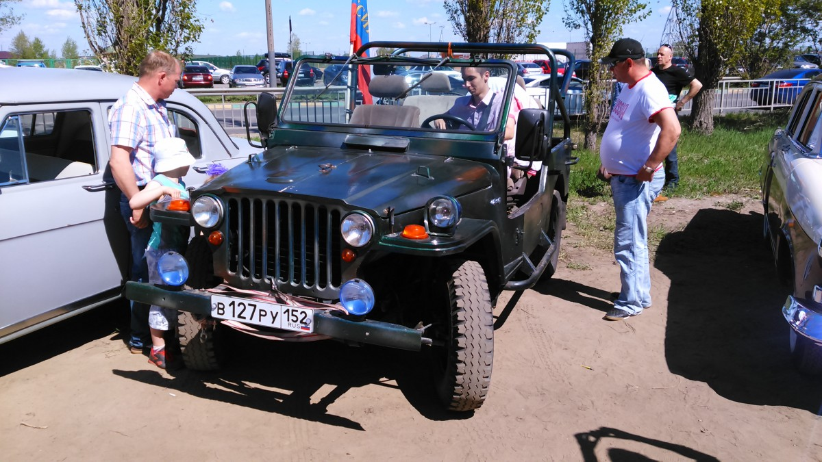 car show report victory day vintage vehicles show in nizhny novgorod. Black Bedroom Furniture Sets. Home Design Ideas