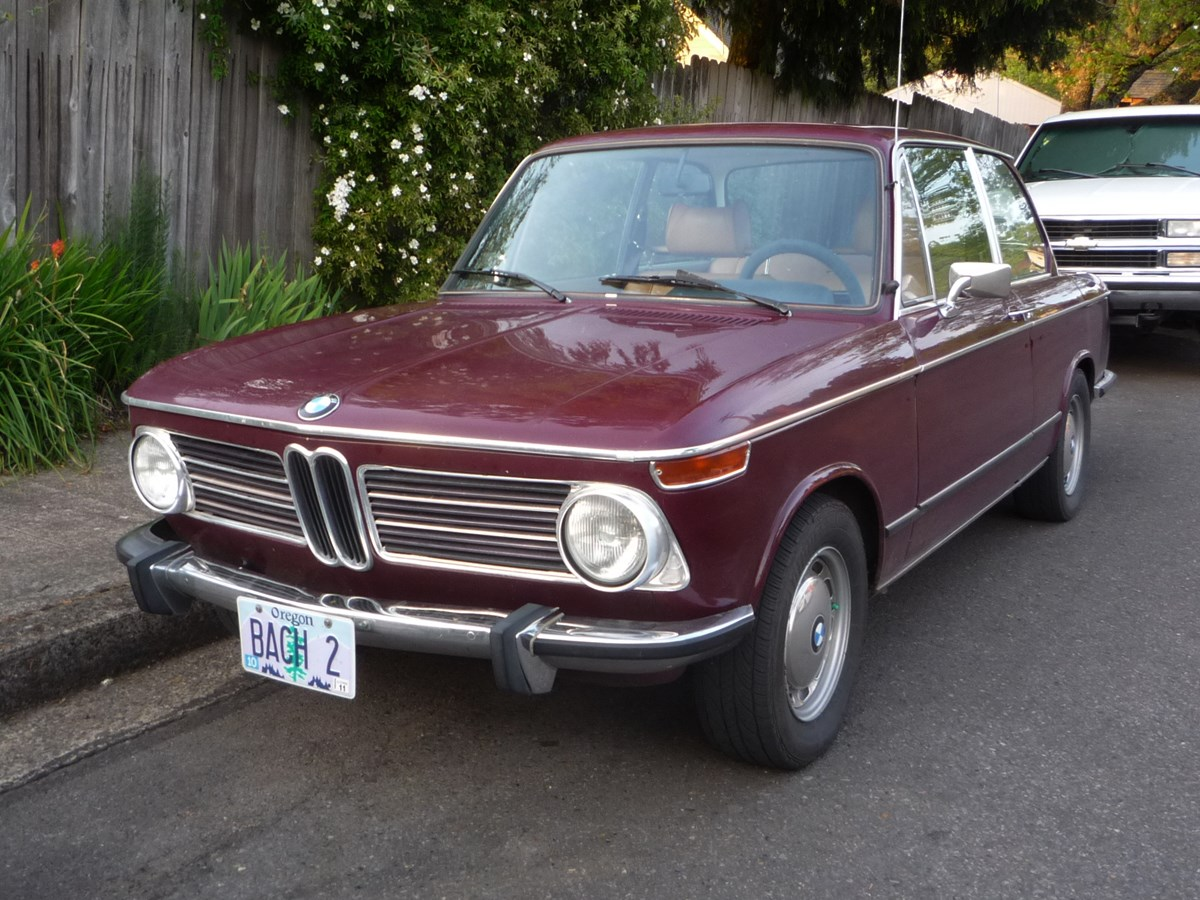 curbside classic 1972 bmw 2002 tii fifty years of unbeatable success. Black Bedroom Furniture Sets. Home Design Ideas