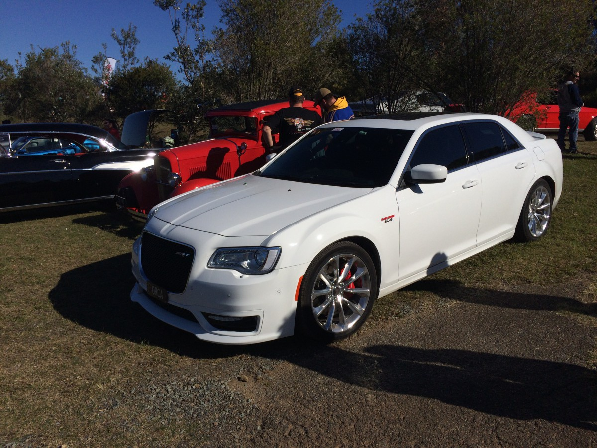 future curbside classic 2015 chrysler 300 srt coming to a classic car show near you eventually. Black Bedroom Furniture Sets. Home Design Ideas