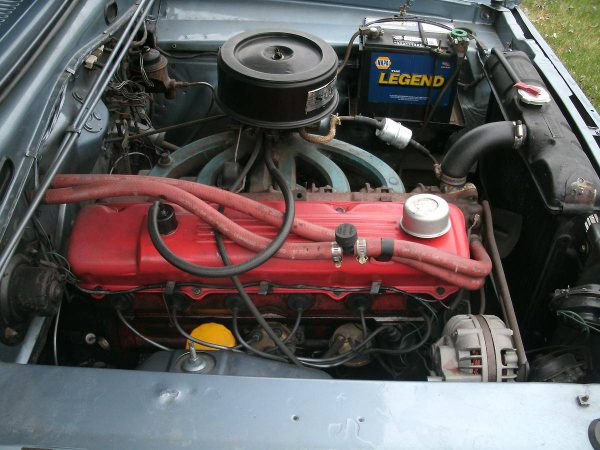 valiant-red-top-side-engine