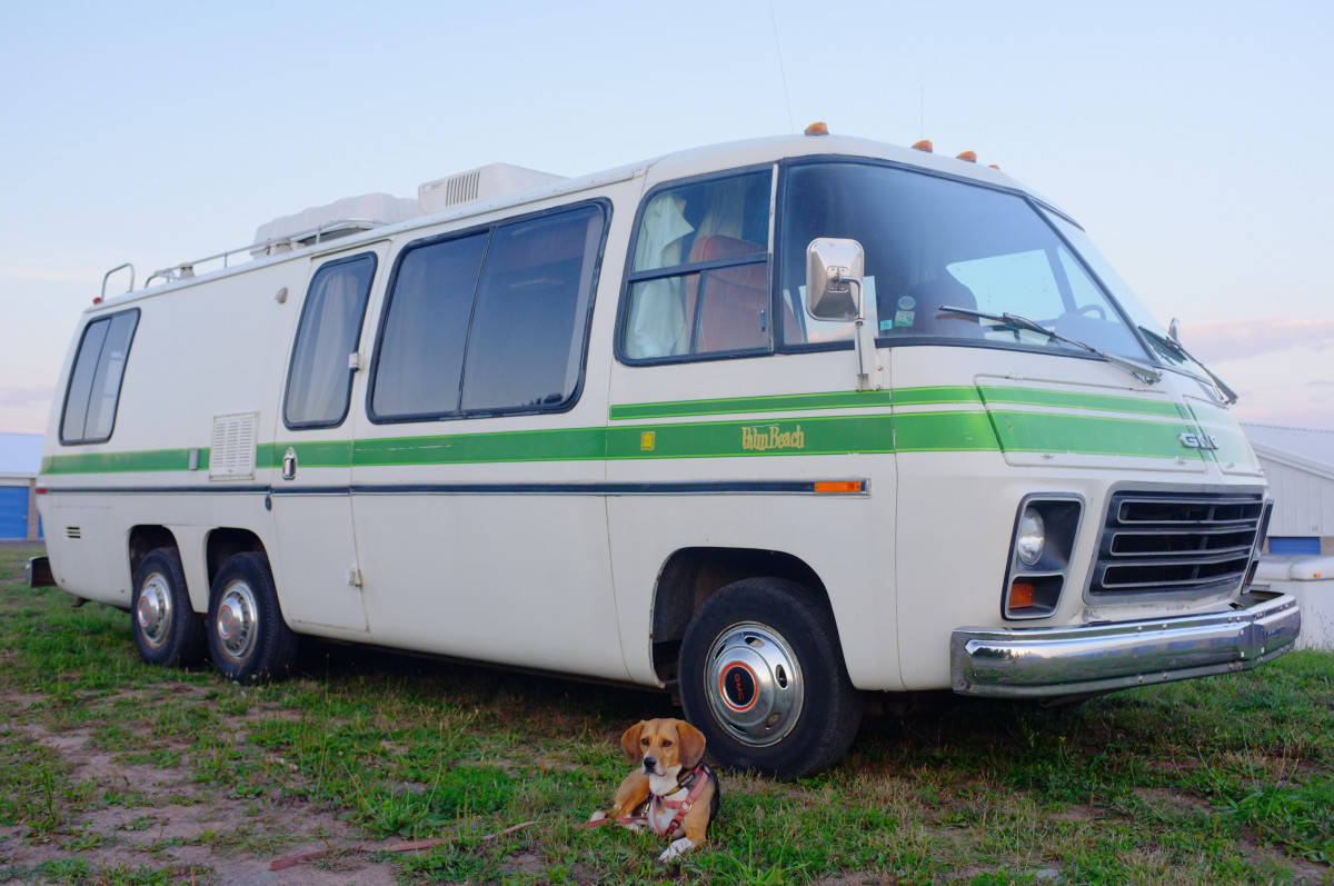 Motorhome Of A Lifetime 1977 Gmc Motorhome Rides Great But Will It Stop Curbside Classic